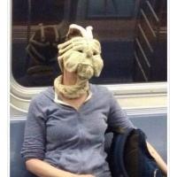 Knitting your own face mask - Face hugger